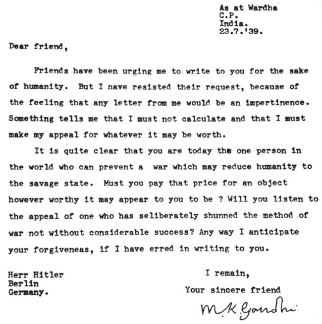"Махатма Ганди называл Гитлера ""мой дорогой друг""..."